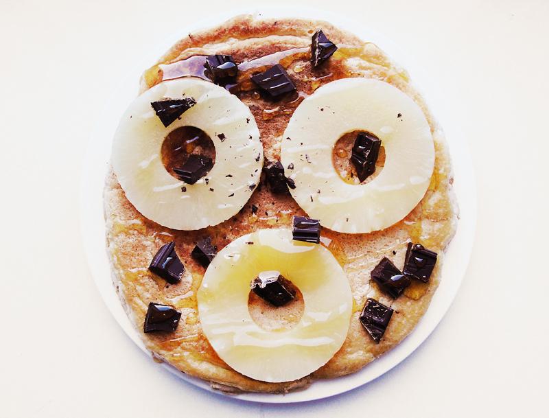 Omlet z ananasem, czekoladą i miodem Portal Pszczelarski